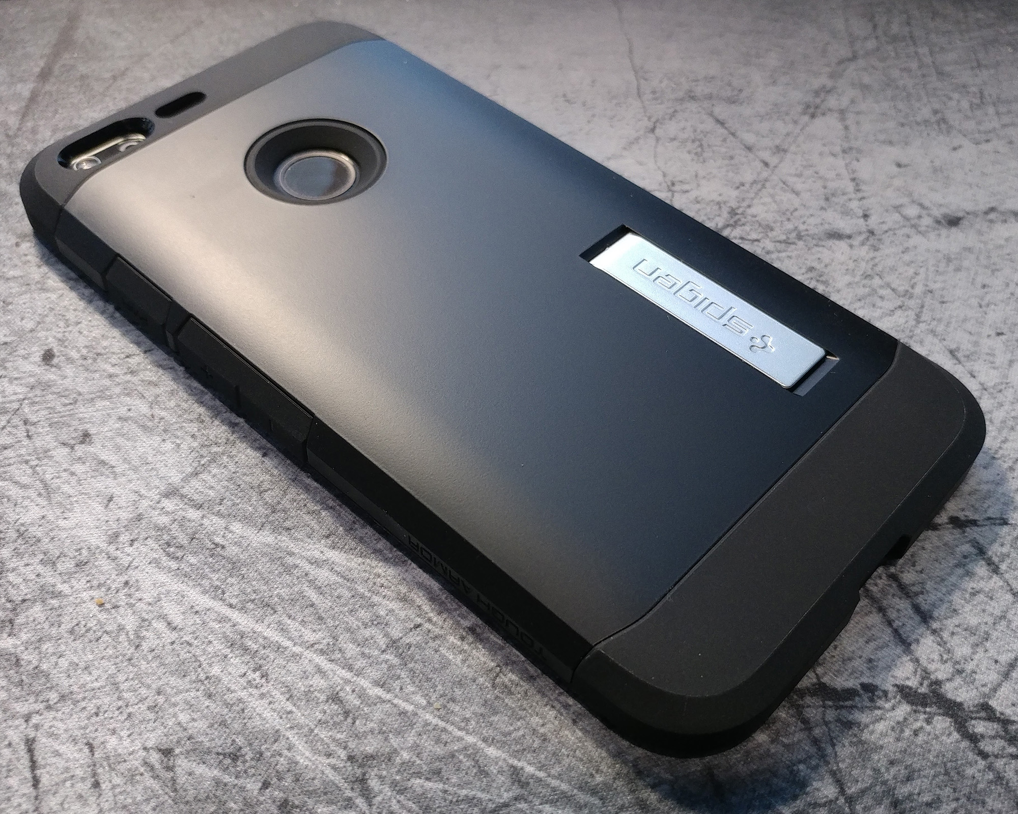spigen-pixel-xl-tough-armor-back