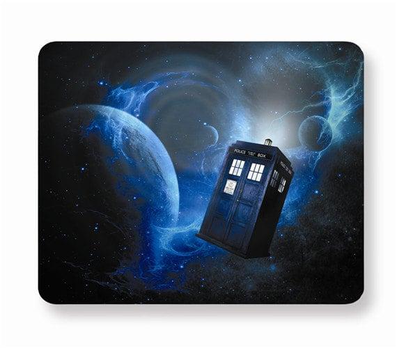 doctor-who-tardis-mousepad