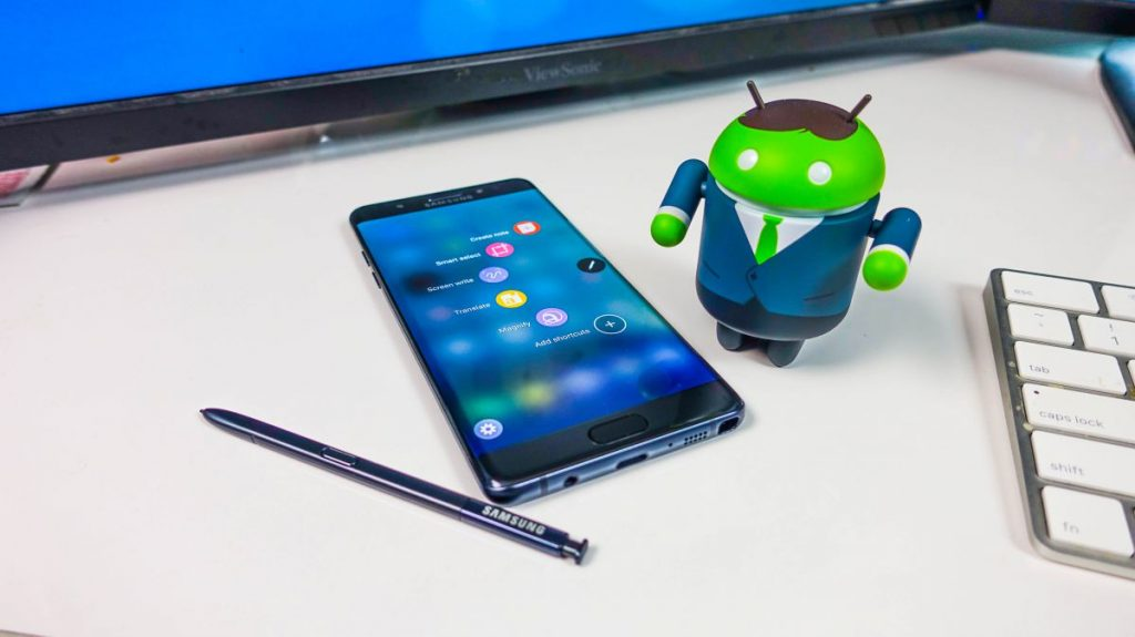 Galaxy Note7 with Android Robo