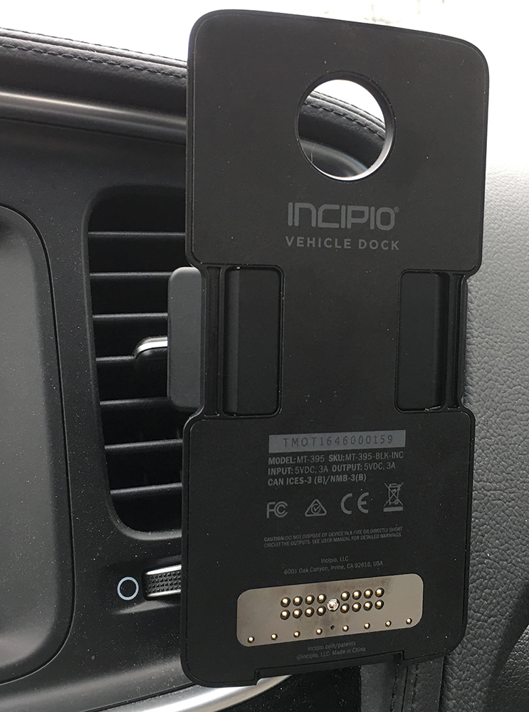 incipio-car-dock-2