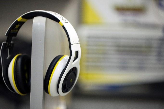 shprs1-on-ear-headphones