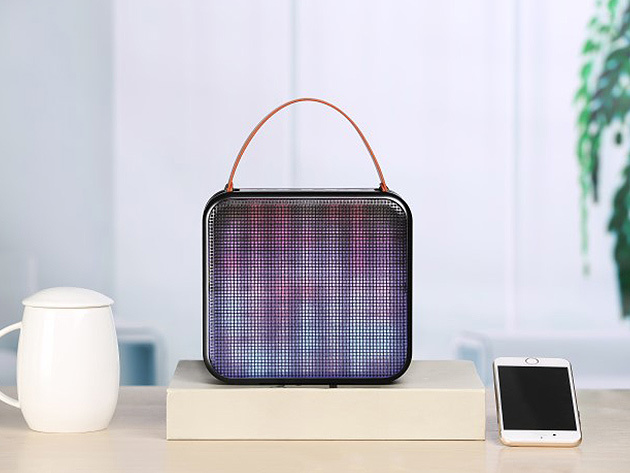 04 FRESHeCOLOR Bluetooth Speaker