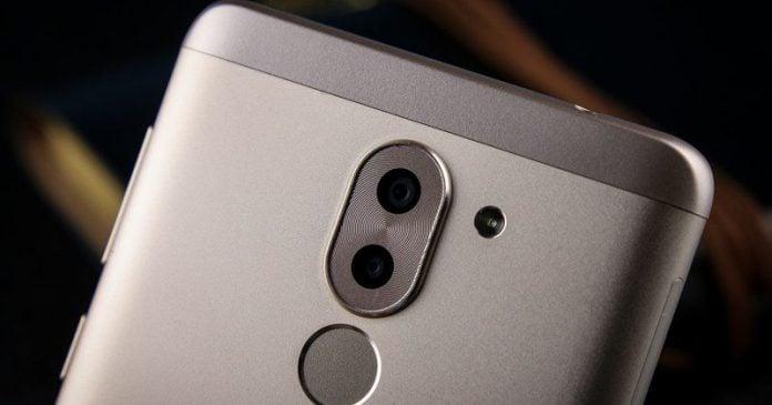 7 features mid-range smartphones need in 2017