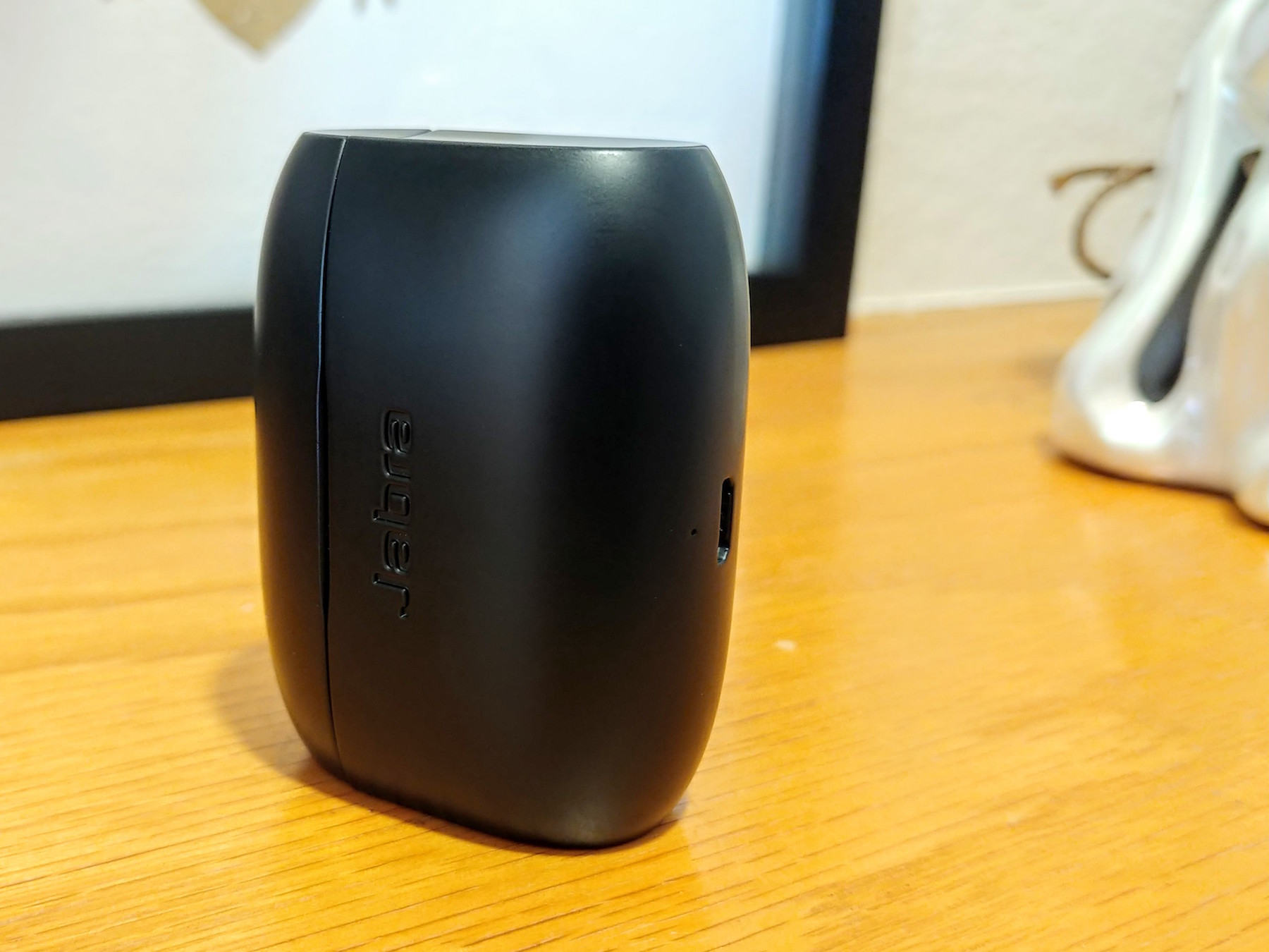 e76716a92a8 Prior to the Jabra Elite 65t, my favorite Bluetooth earbud case was the  Rowkin Stereo Charge, a 2100mAh beast that has a full-size USB-A port to  charge your ...