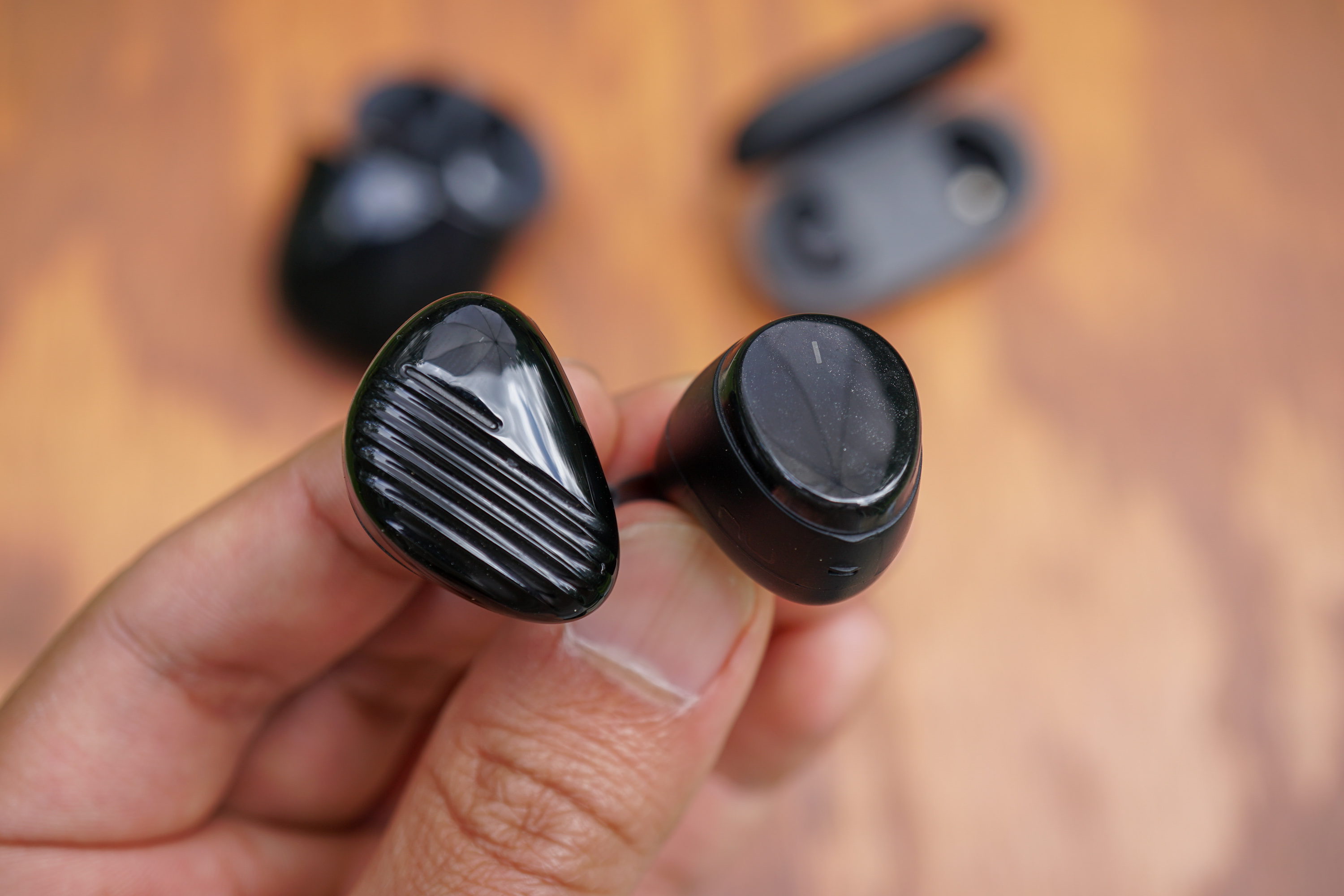 Optoma NuForce BE Free5 Earbuds