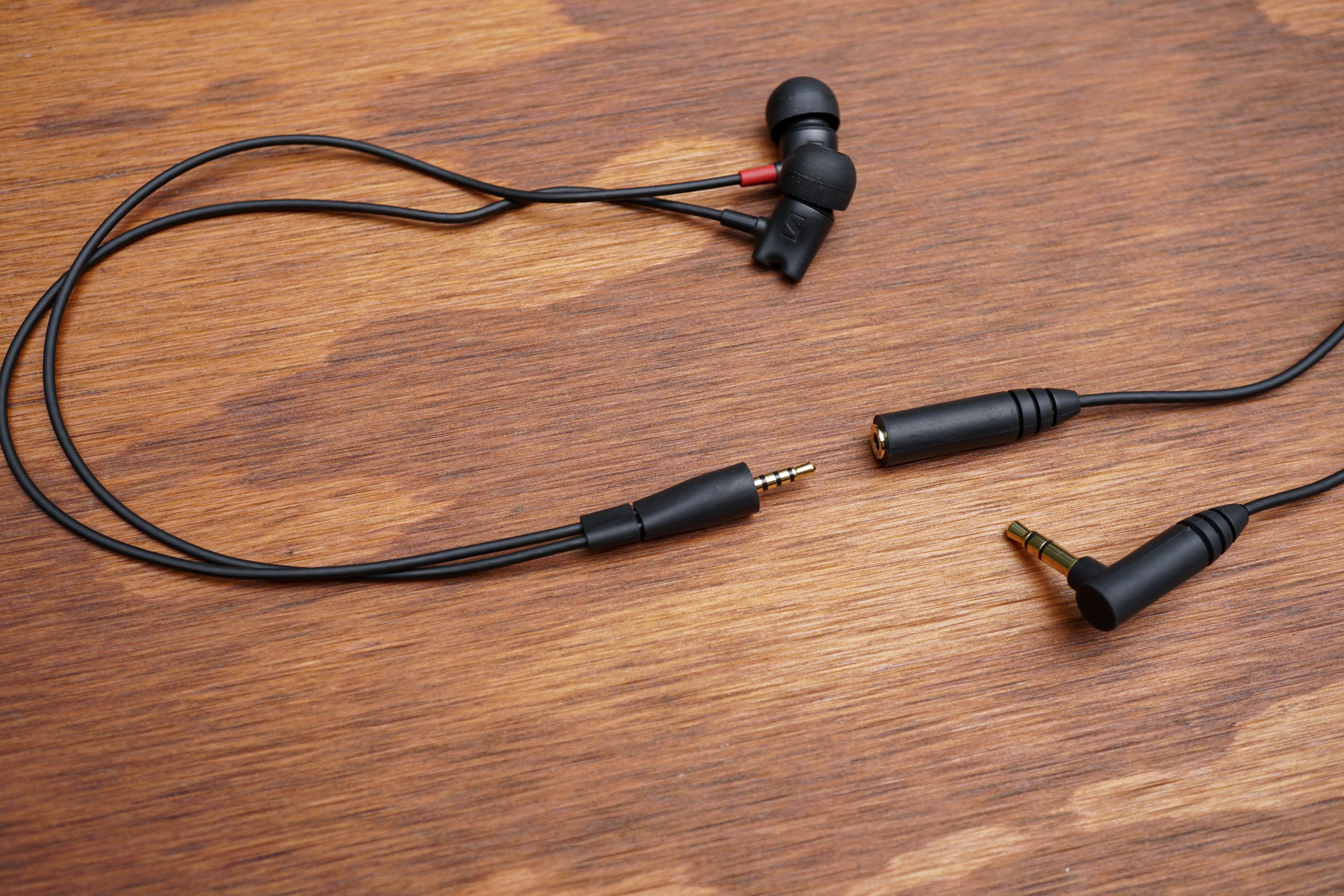 Sennheiser IE 800 S In-Ear Headphones