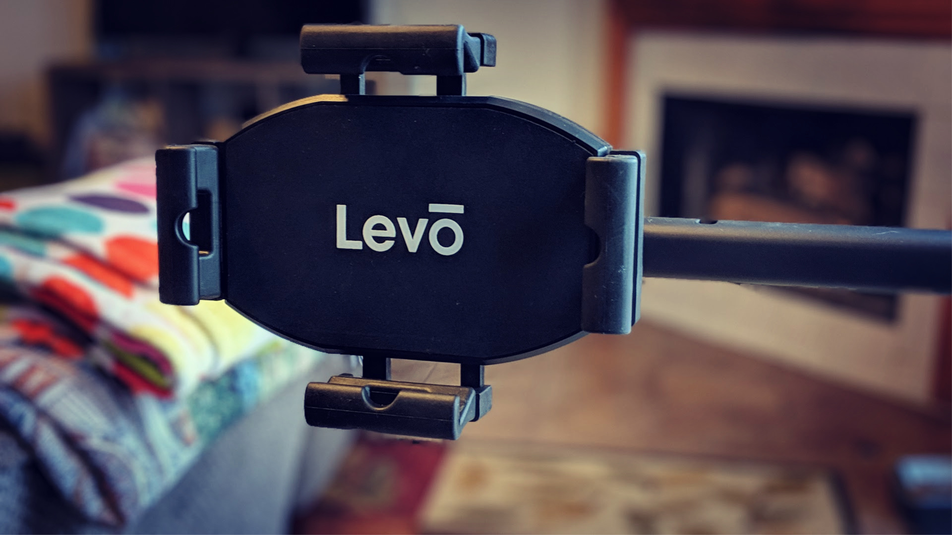 Check Out These Great Products From Anker Updesk Levo