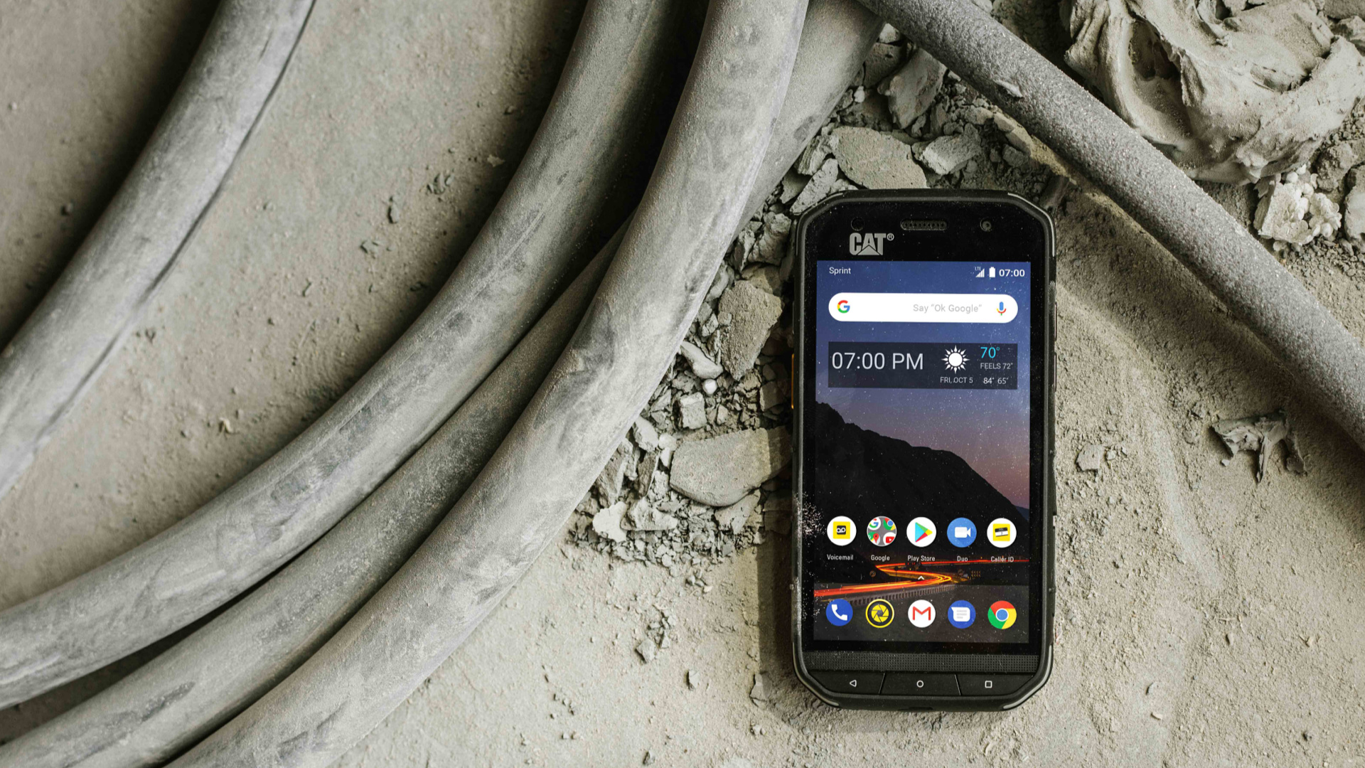Sprint dials up rugged Cat S48c phone for $20 per month