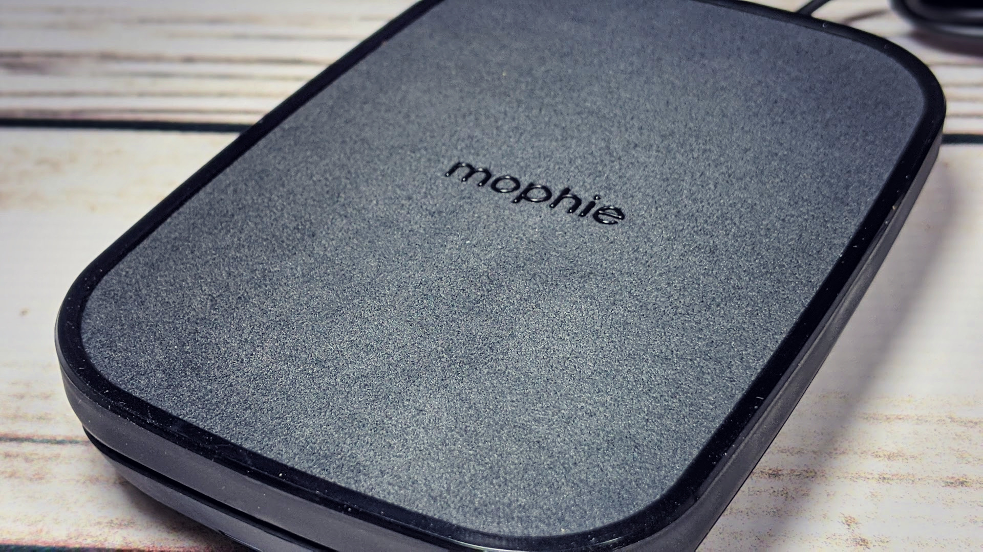 Reviewing Mophie S Wireless Charging Stands And Pads Mophie universal wireless charger charging car vent mount phone holder black. wireless charging stands and pads