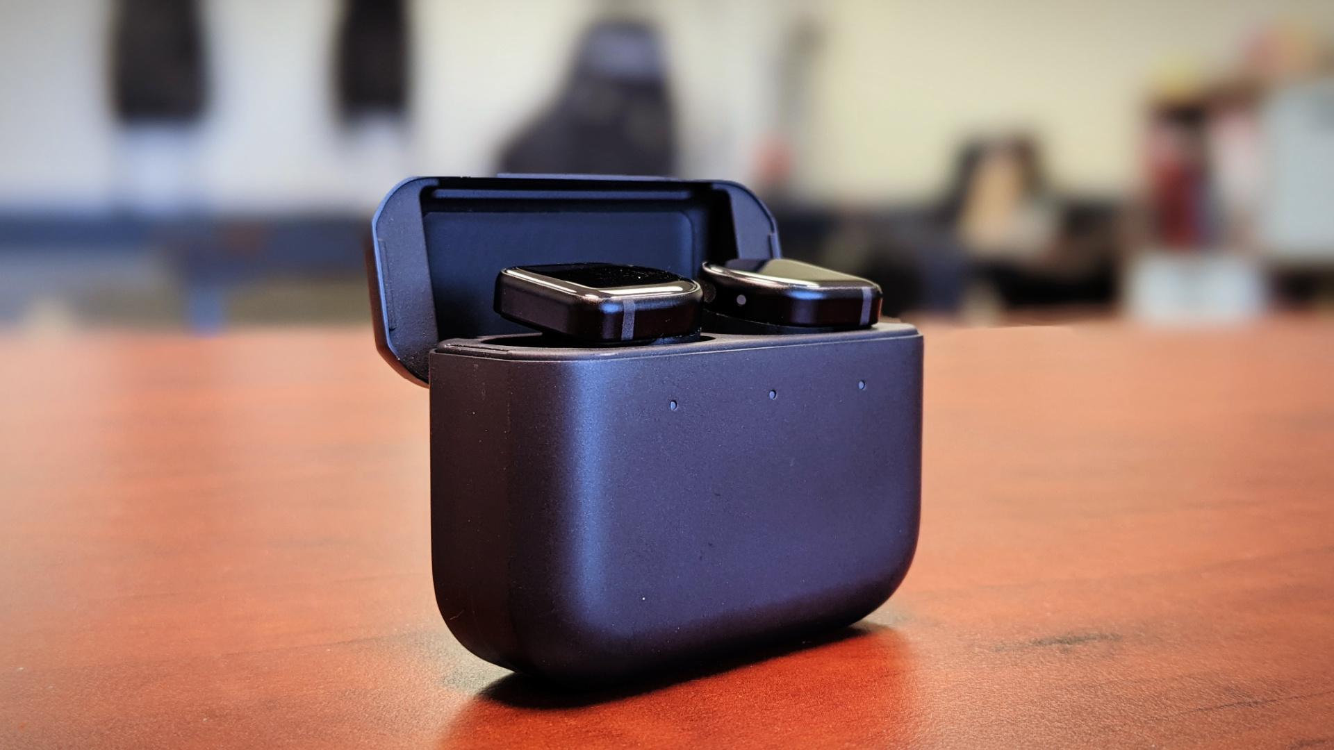 Master & Dynamic MW08 true wireless earbuds review